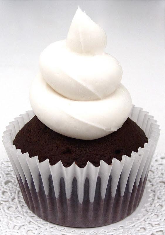 Black And White Cupcake Images : Black & White Cupcakes - Lindsay Ann Bakes
