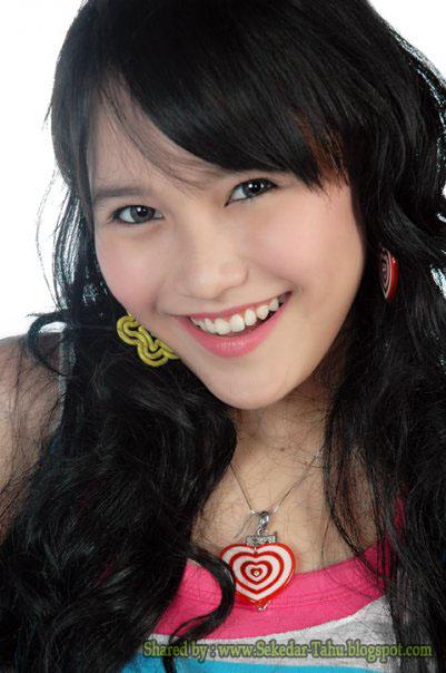 Foto Ayu Ting-Ting