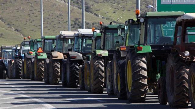 Ανάβουν τις μηχανές των τρακτέρ οι μικρομεσαίοι αγρότες και κτηνοτρόφοι του Έβρου