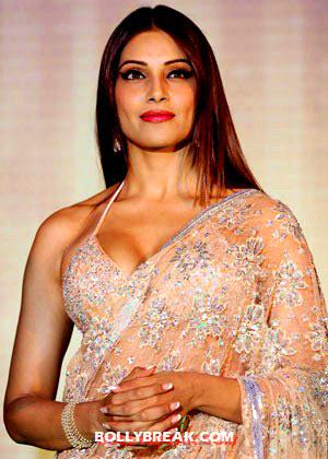 bipasha basu in a gorgeous revealing beige sari -  Bipasha Basu - Queen of Bold