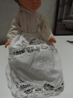 sayas muñecas