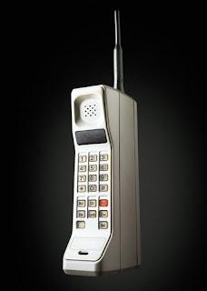 Motorola DynaTAC 8000X o primeiro telefone celular da história