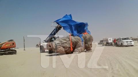 Behind the Scene Photos: Star Wars Episode VII Filming in Abu Dhabi