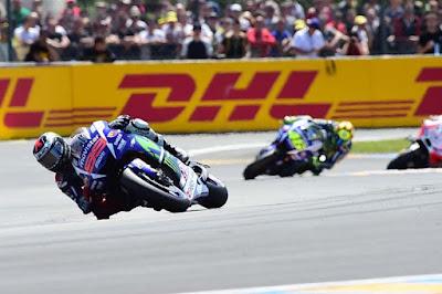 Gelar Juara Dunia, Ini Kata Dovi Tentang Peluang Rossi dan Lorenzo