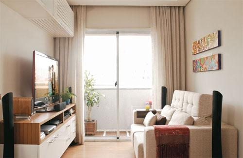 decoracao interiores ambientes pequenos : decoracao interiores ambientes pequenos:Essa é uma das que mais gosto! Simples e linda!! O rack é lindo e