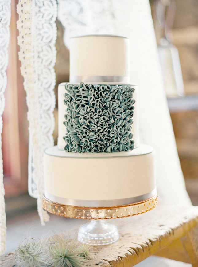 The Bridal Cake: 2013 Wedding Cake Trends: Ruffles
