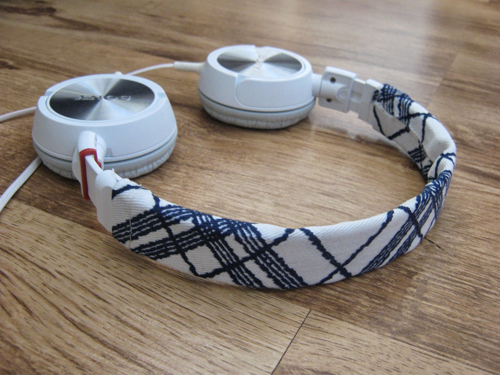 Tutorial Fabric Covered Headphones
