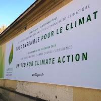 Paris Climat 2015 : symbole de la COP21 sur les murs du ministère des affaires étrangères