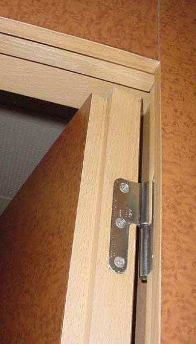 Proyectos de instalaci n tipos de puerta - Puerta abatible madera ...