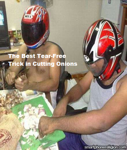 Best-Tear-free-life-hack-in-cutting-onions