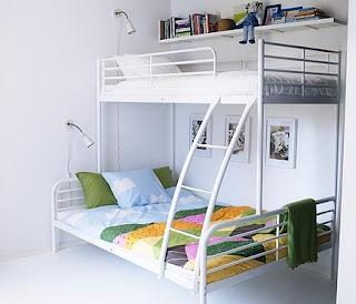 Anda bisa memberikan hadiah ulang tahun berupa kamar tidur baru, yang