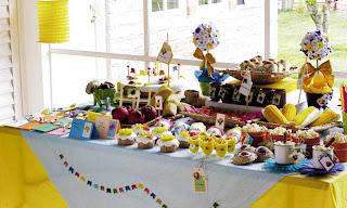 Mesa de festa de São João amarela