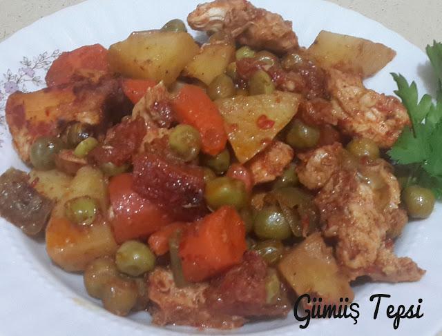 bezelye yemeği tarifi,fırın poşetinde yapılan yemekler,tavuklu yemekler