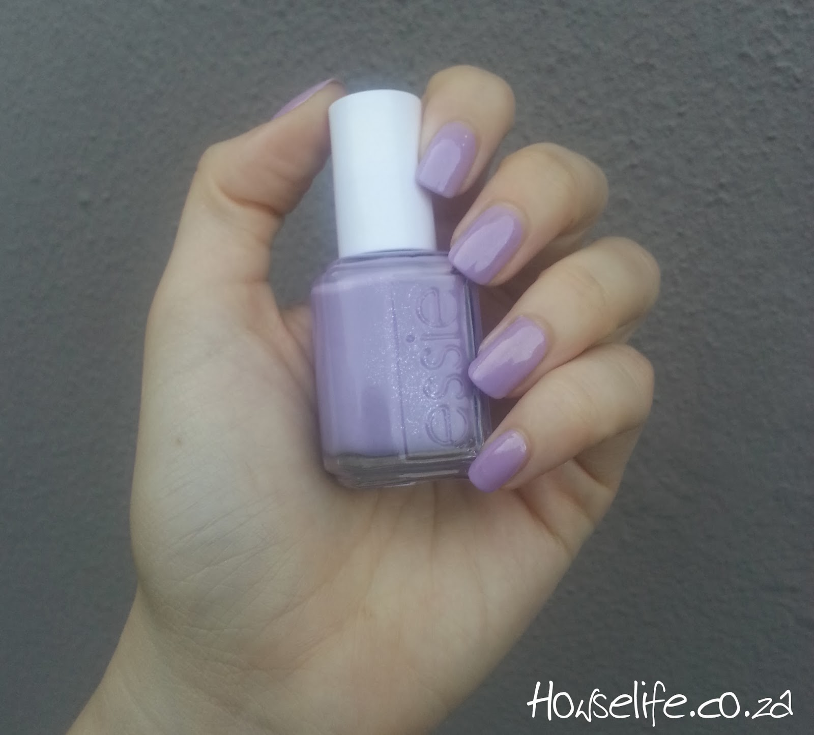 Howse Life: Essie Full Steam Ahead | Nail polish review