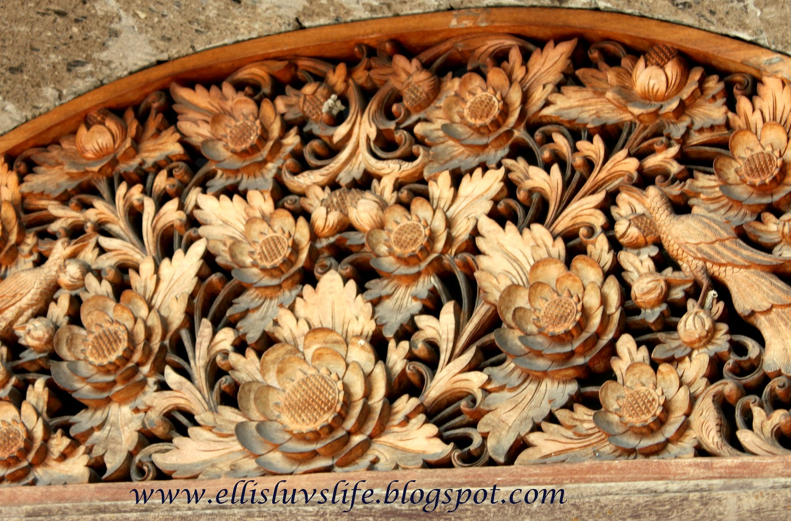 Luvs life too much to lose out bali wood carvings