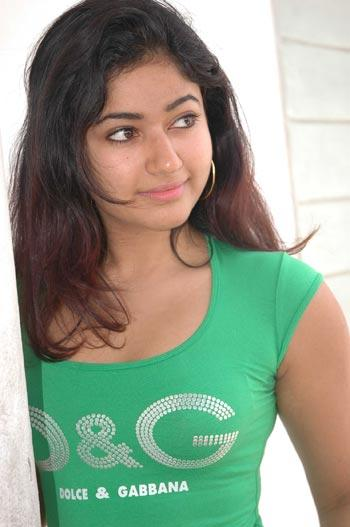 poonambajwa hot stils