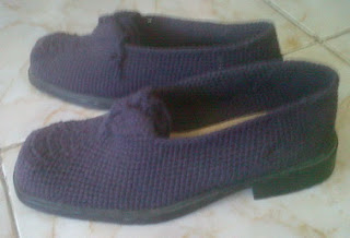 Sepatu Rajutan (LK2)