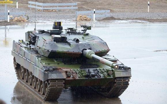 Tank Leopard tiba di Kemayoran