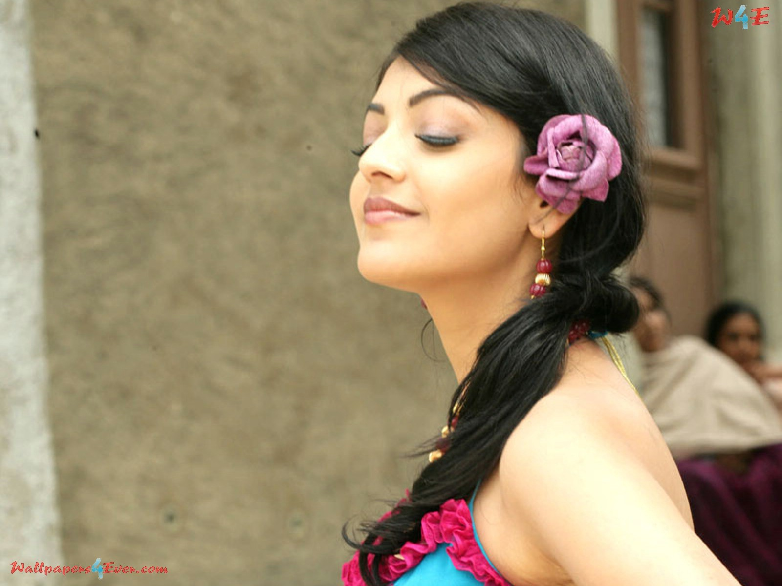 kajal agarwal latest photo gallery - lot of entertainment and time