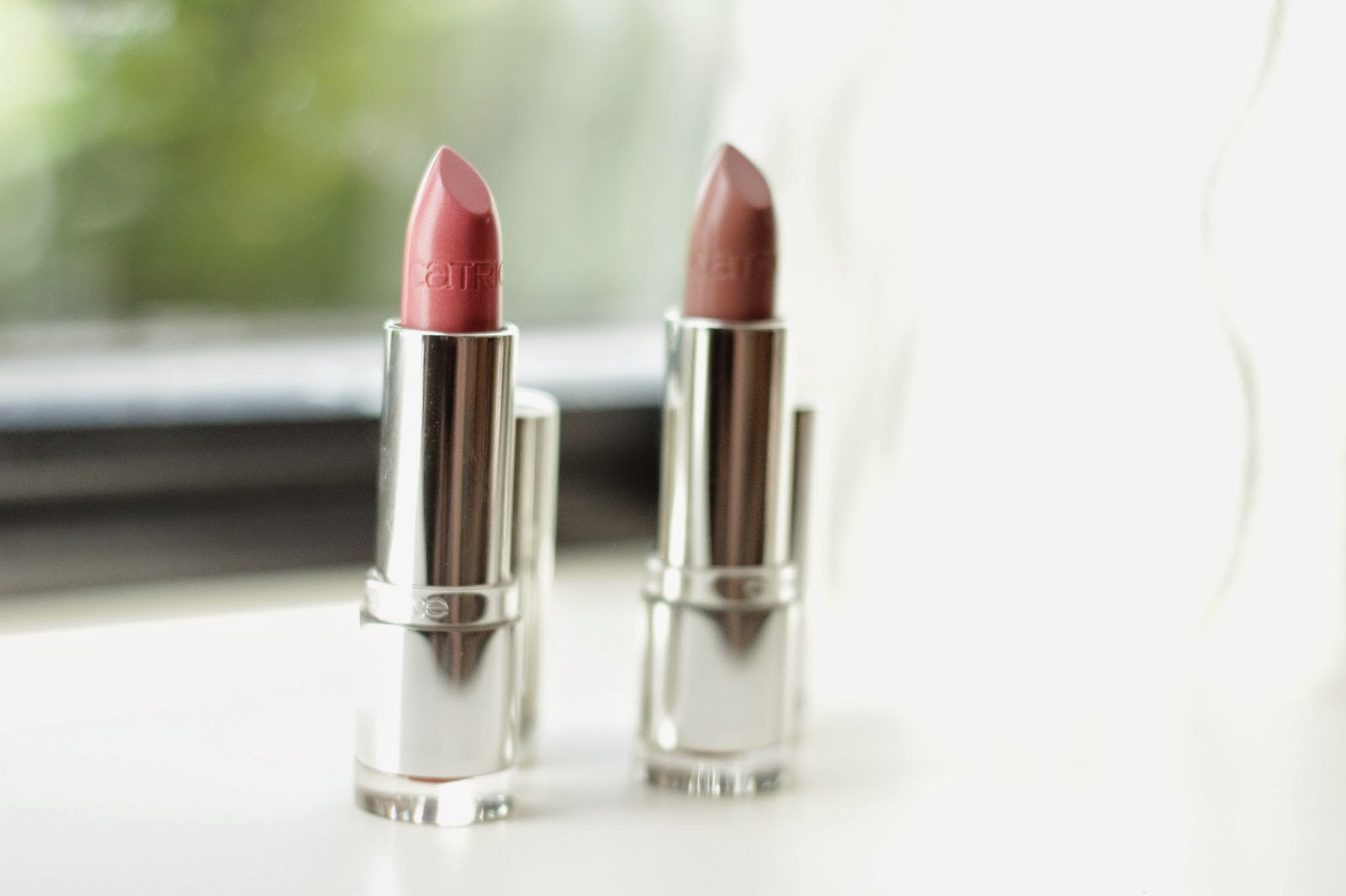 catrice ultimate shine gel colour lipstick  better than nude  sweet macaron