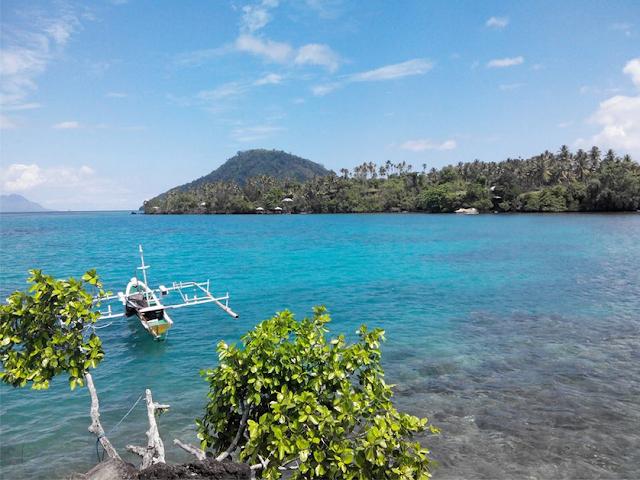 Pantai Bobanehena - Pantai Galaunya Wisata Halmahera Barat