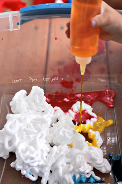 Simple sensory play that builds fine motor skills