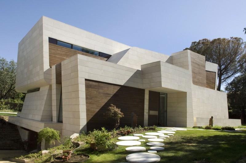 Hogares frescos casa contempor nea de tres niveles - Arquitectura de interiores madrid ...