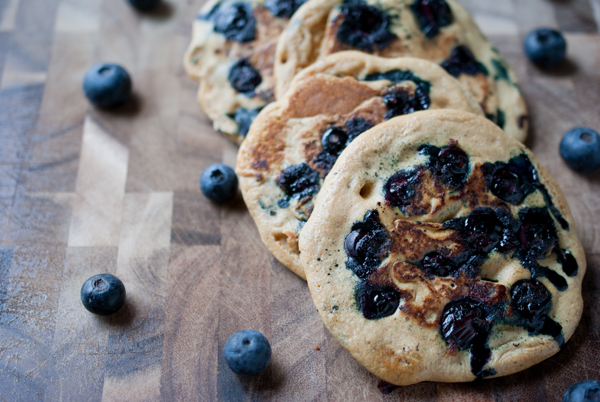 Simple Craves & Olive Oil: easy lemon blueberry whole wheat pancakes