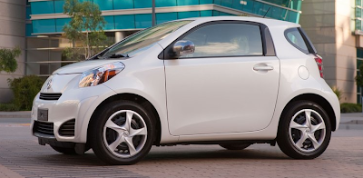 2012 Scion iQ white