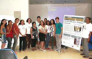 Os jovens selecionados e os coordenadores  do Projeto