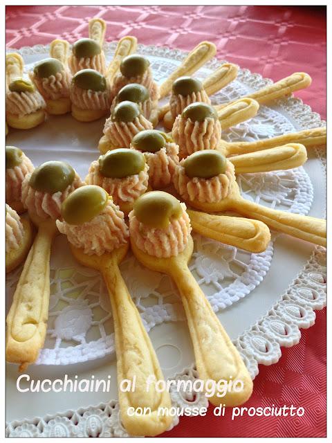 Vivi in cucina cucchiaini al formaggio con mousse di for Stuzzichini di natale 100 idee per stupire