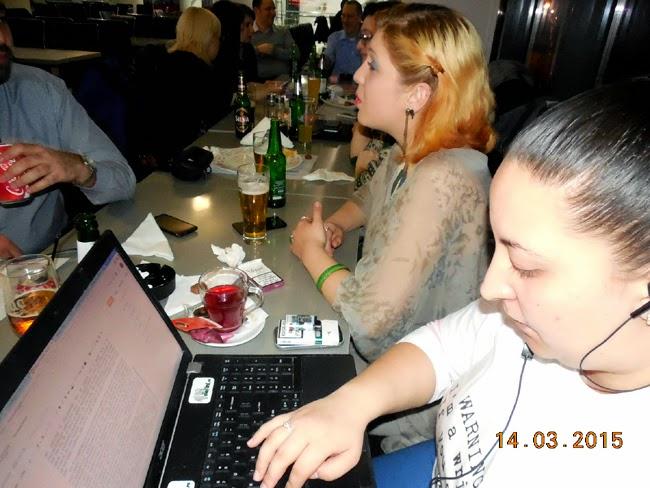 Ianolia isi scrie articolul pentru SB la blog meet