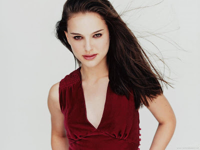 Natalie Portman Actress Spicy Wallpaper-04