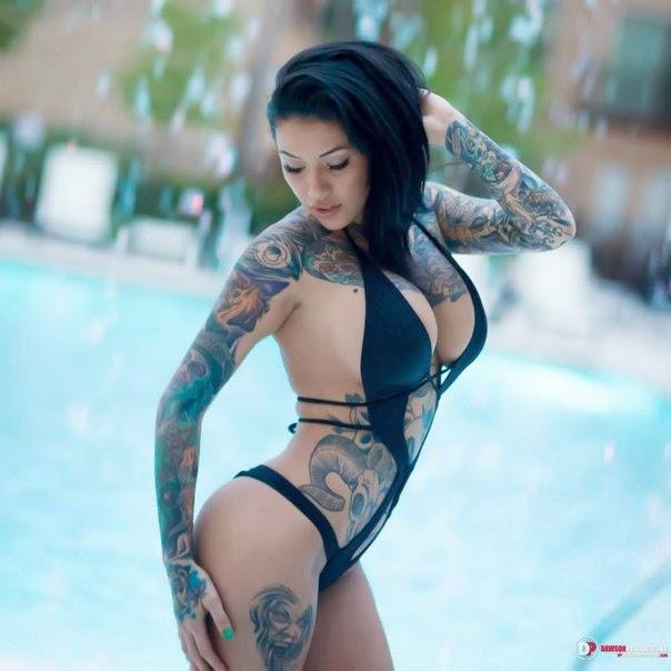 hot naked tattoo girl