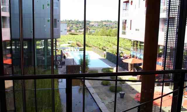 Umgeben von Weingärten, das Loisium Wine & Spa Resort in Langenlois © Copyright Monika Fuchs, TravelWorldOnline