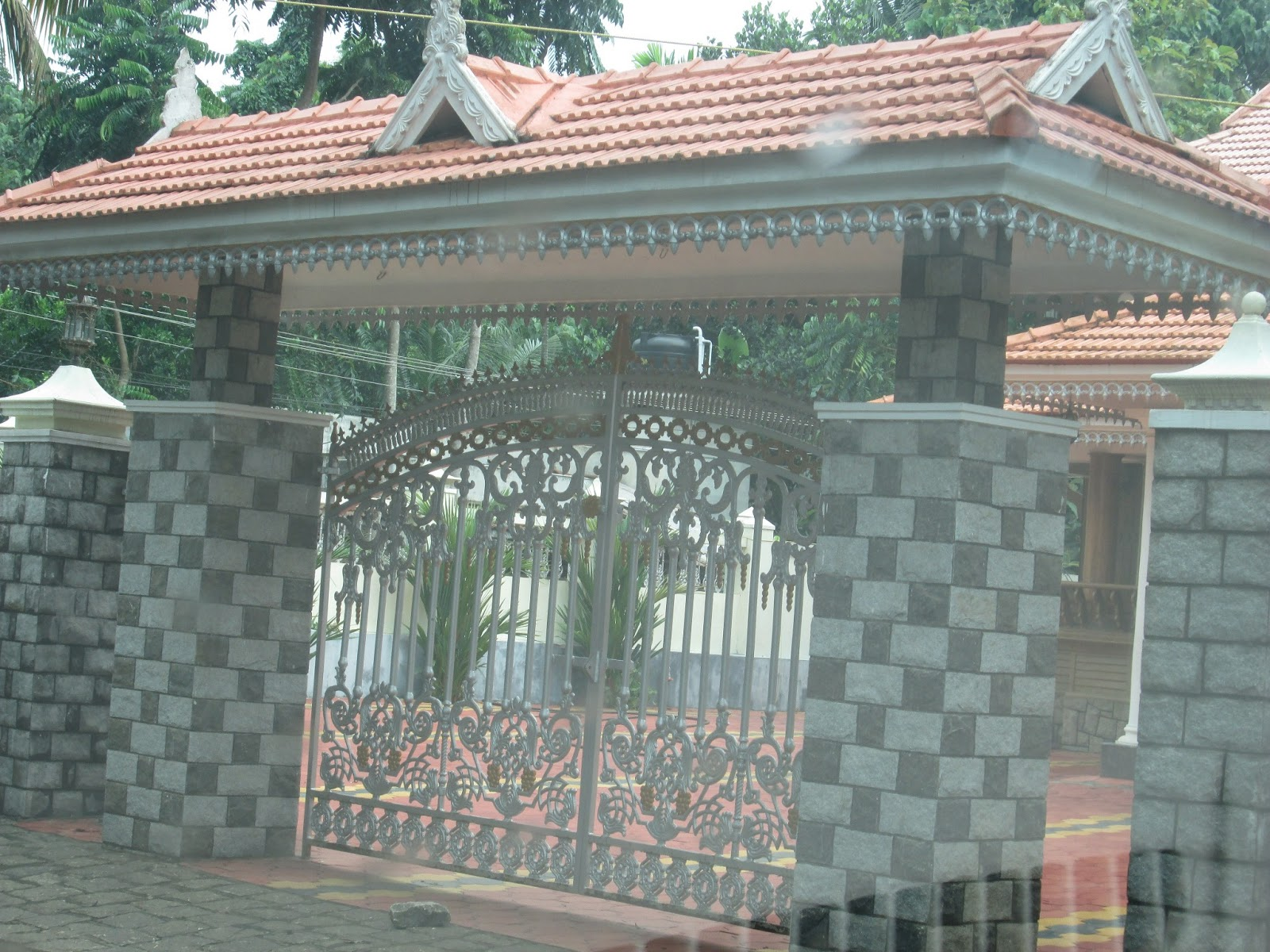 Padippura design images shape kerala home - Gate With Kerala Style Padippura Gate Designs In Kerala