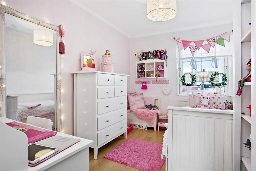 wystrój wnętrz, wnętrza, urządzanie mieszkania, dom, home decor, dekoracje, aranżacje, styl skandynawski, shabby chic, białe wnętrza, jasne wnętrza, pokój dziecięcy, różowy