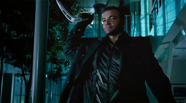 Nick Tarabay en Arrow 3x08 - The Brave and the Bold