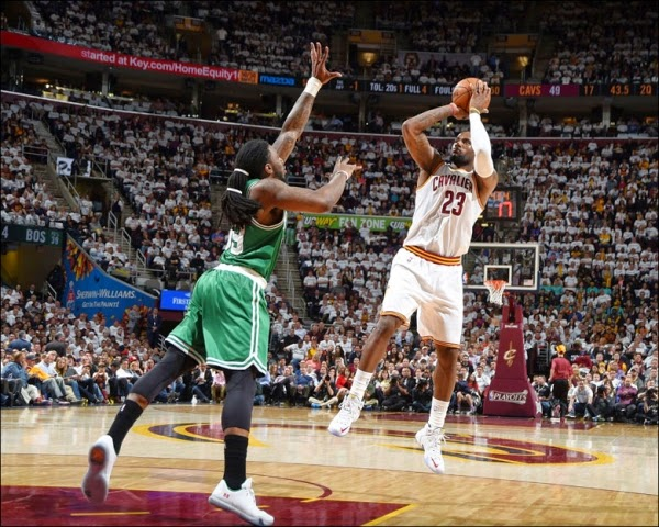 Lebron James surpasses Jerry West for the 7th spot in All Time NBA Playoffs scoring title