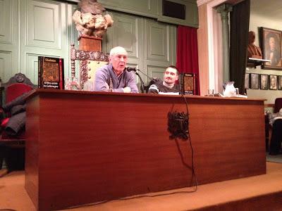 """Andrés Vázquez, autor de """"El Enchiridion: libro secreto de Carlomagno"""" en la presentación"""
