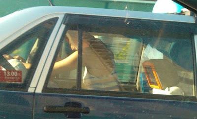 Casal Chinês apanhado a fazer sexo dentro dum táxi