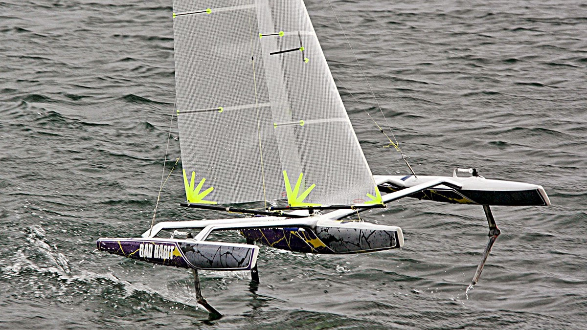 40 (Mini) RC Foiling Tris | Catamaran Racing, News & Design