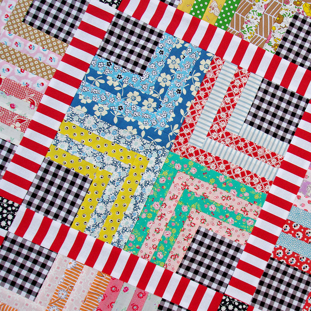 Quarter Log Cabin & Gingham Quilt | Red Pepper Quilts 2015