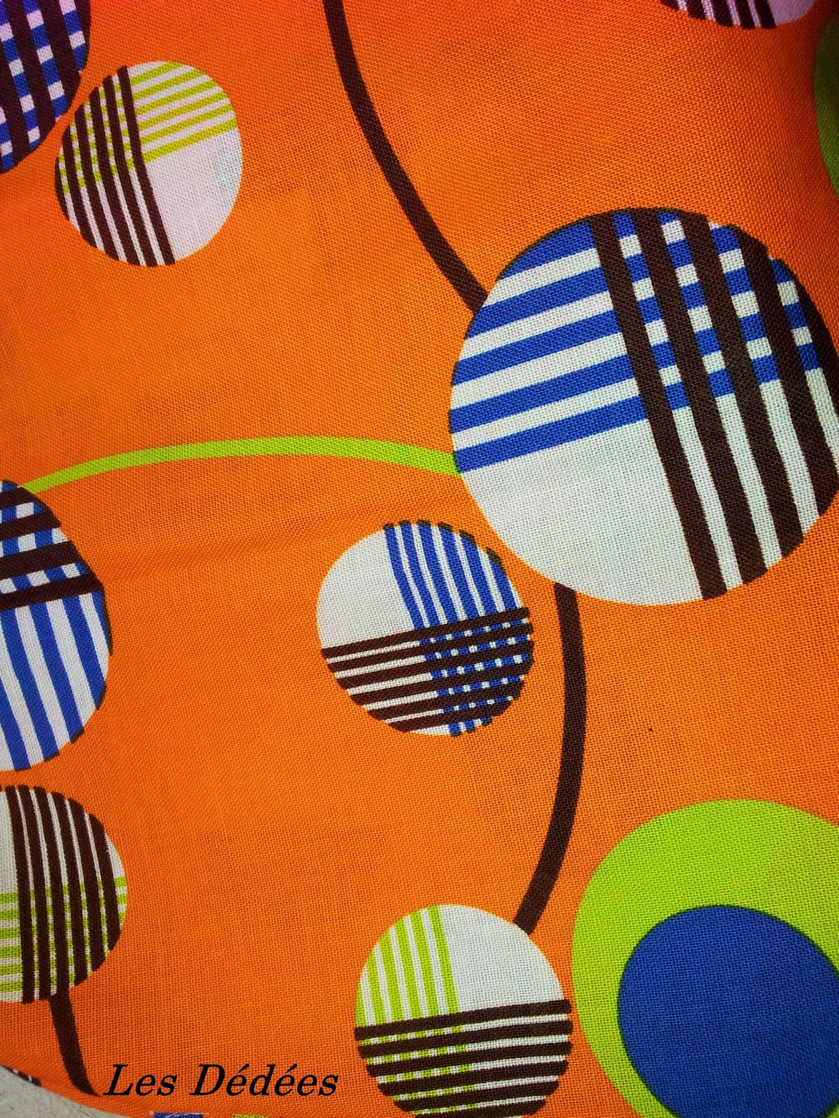 les dedees vintage recup creations robe annees 70 super coloree presque fluo. Black Bedroom Furniture Sets. Home Design Ideas
