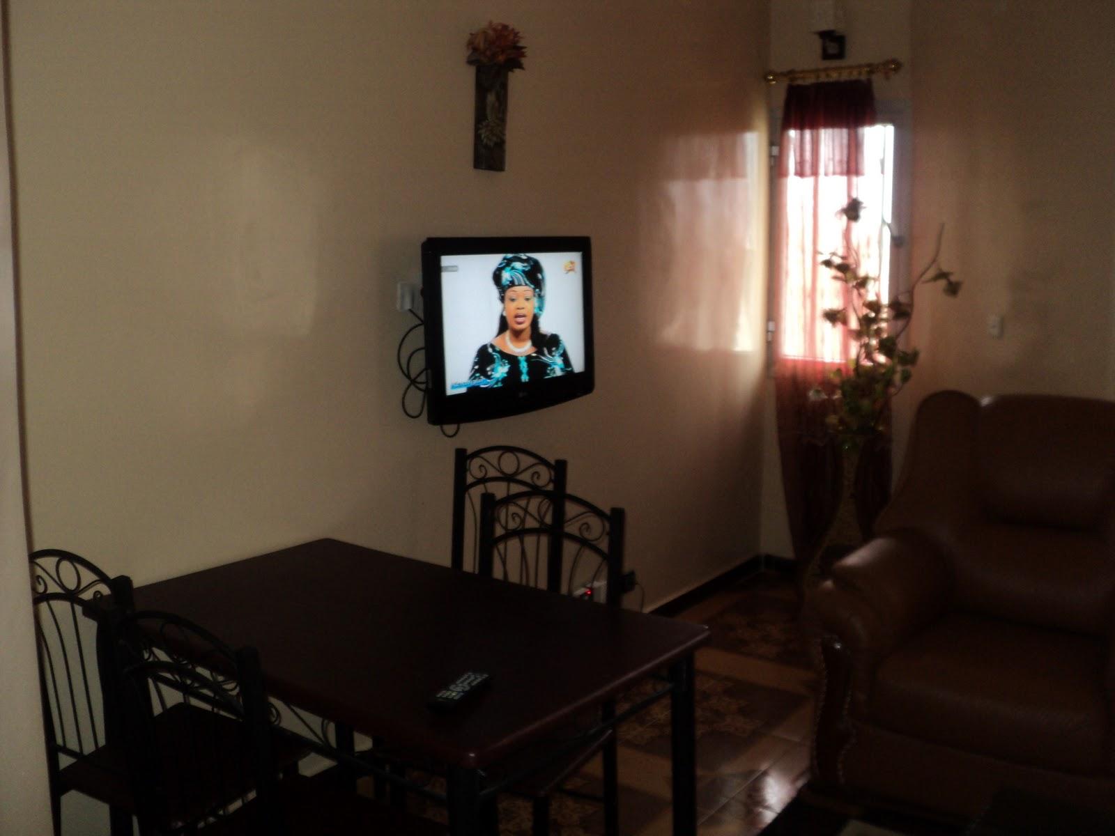 appartement ou studio meubl louer hann mariste. Black Bedroom Furniture Sets. Home Design Ideas