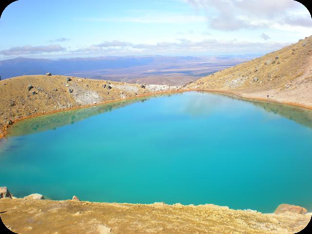 sulphur lakes, Tongarira crossing, new zealand