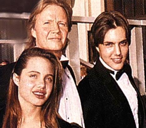 familiar se encuentra de izquierda a derecha Angelina Jolie