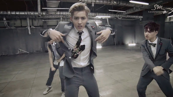 EXO Growl Kris
