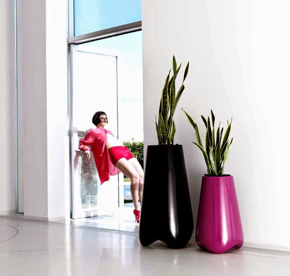 http://www.portobellodeluxe.com/es/product.asp?id=12124&Macetero-Jardin-Vlek