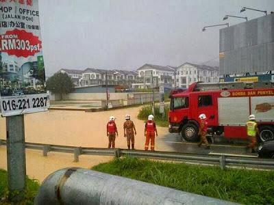 Gambar Banjir Kilat Di Rawang